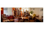 FOX book café